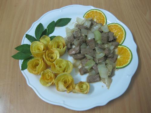 Bài dự thi: Bò xốt cam và khoai tây chiên - 11