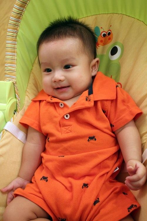 Con trai Ốc Thanh Vân sành điệu từ bé - 1