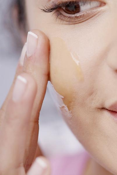 Bí quyết chăm sóc da mặt với mật ong - 2
