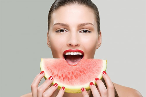 8 loại trái cây giúp tẩy răng trắng hiệu quả - 2