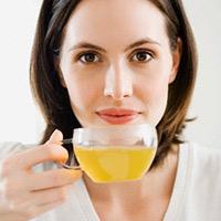 4 thời điểm uống trà không tốt cho chị em