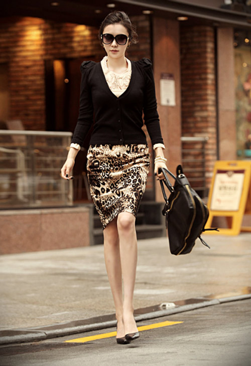 Phối đồ sành điệu với chân váy da báo - 10
