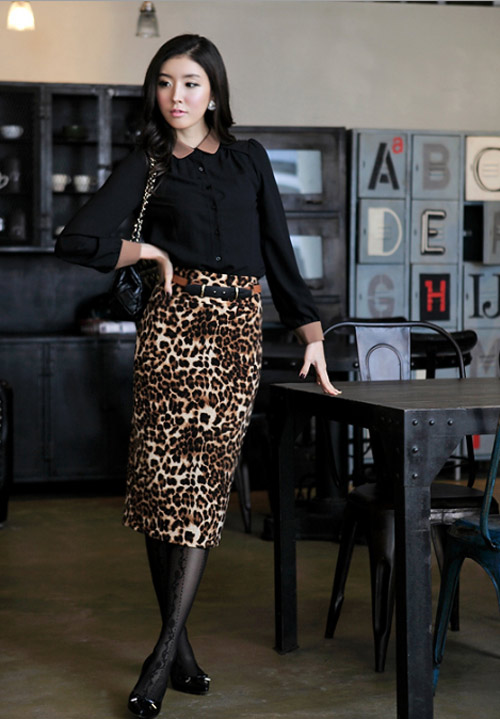 Phối đồ sành điệu với chân váy da báo - 17