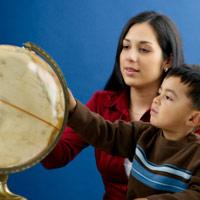 'Rỉ tai' bí quyết giáo dục nhân cách cho trẻ