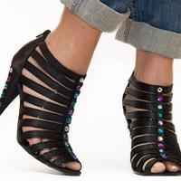 'Trang điểm' cho đôi giày cũ