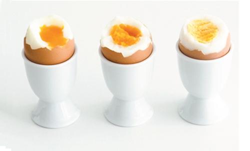 'Chỉ điểm' cách luộc trứng ngon! - 2