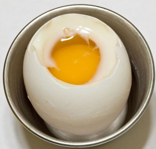 'Chỉ điểm' cách luộc trứng ngon! - 3