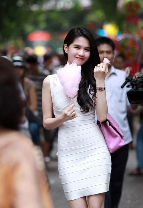 3 kiểu váy sao Việt 'đua nhau mặc' năm 2011 - 17