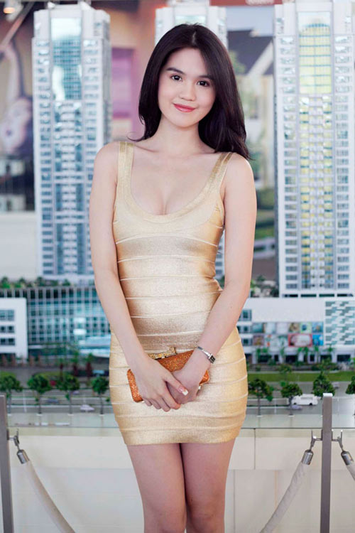 3 kiểu váy sao Việt 'đua nhau mặc' năm 2011 - 18