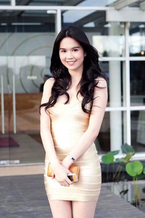3 kiểu váy sao Việt 'đua nhau mặc' năm 2011 - 20