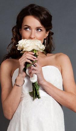 Váy cưới cho bà bầu đẹp 'ngả nghiêng' - 7