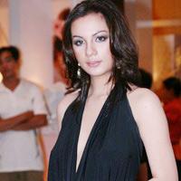 Cựu người mẫu Ngọc Thúy trong ngày thương lượng