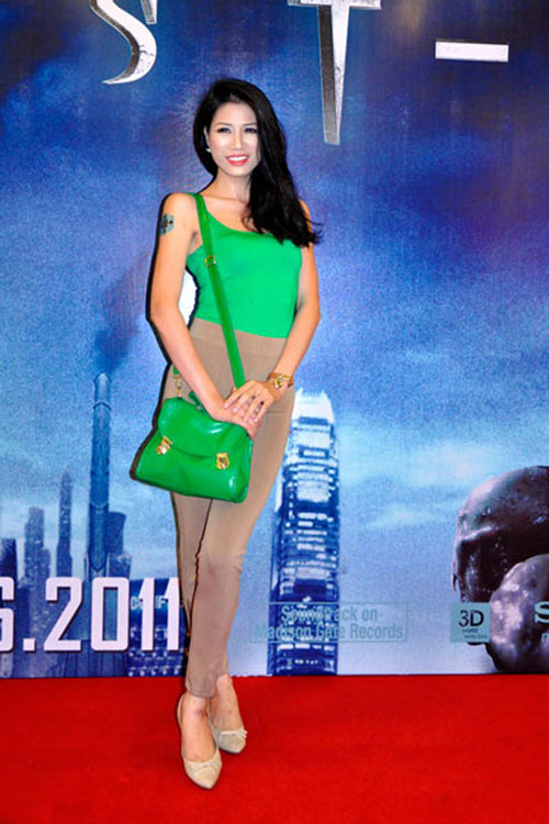 Top trang phục phản cảm nhất năm của sao Việt - 1