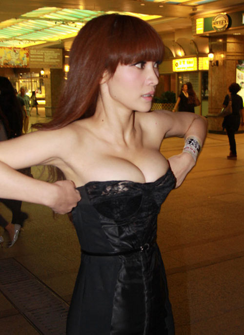 Váy quây: Đẹp thì có đẹp... - 18