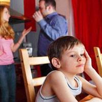 Cha mẹ ly hôn, con 'khóc' trong nhật ký
