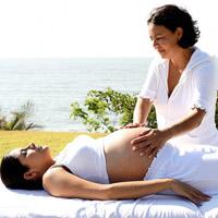 Massage đúng cách cho bà bầu