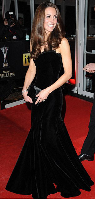 Kate Middleton bắt chước công nương Diana? - 2