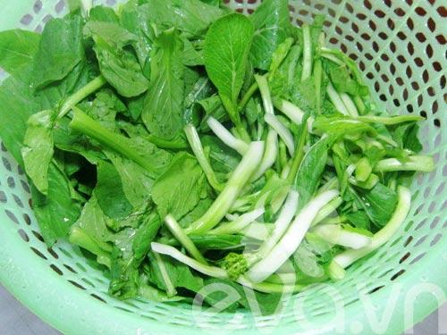 Ngon cơm thịt xào ngồng cải - 4