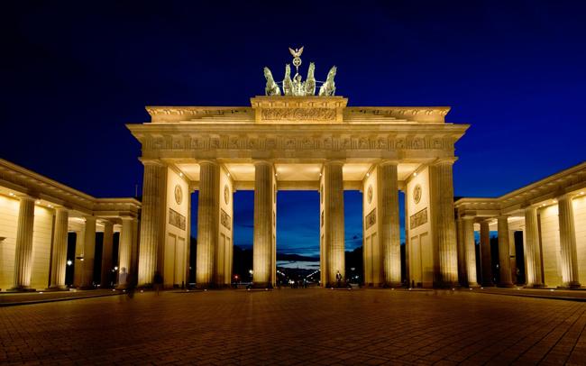 Cổng Brandenburg (ảnh) được biết đến là biểu tượng của thành phố Berlin, Đức.