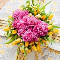Khéo tay cắm hoa bằng bát chờ 20-10
