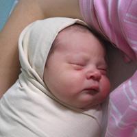 Đặc điểm sinh lý & thể chất trẻ sơ sinh