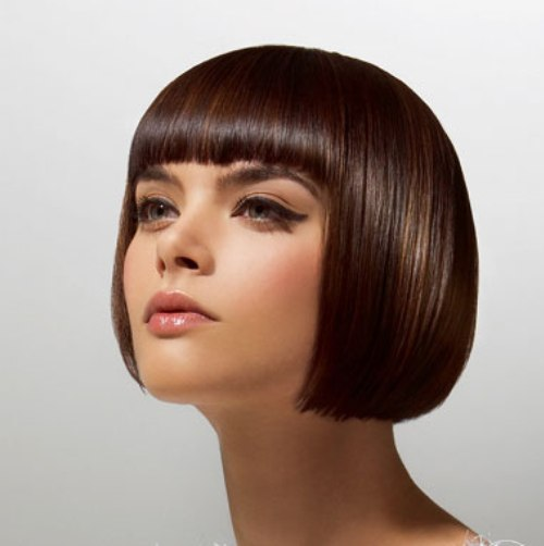 Mẹo giữ nếp tóc mái bằng lâu bền - 3