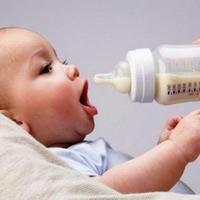 5 sai lầm của mẹ khi pha sữa bột