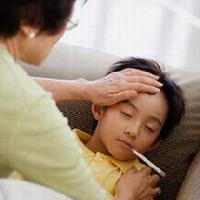 Dùng thuốc sốt cho con thế nào cho đúng?