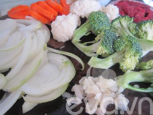 Đơn giản với thịt bò xào súp lơ - 2