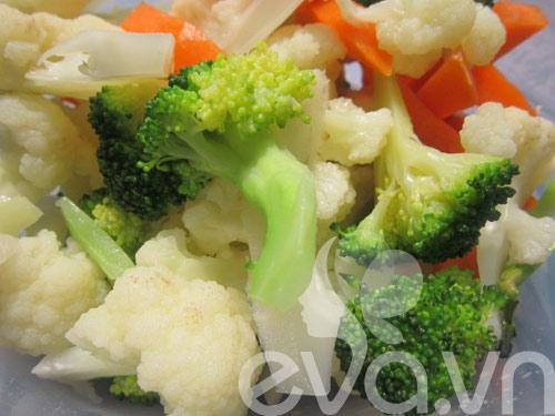 Đơn giản với thịt bò xào súp lơ - 4