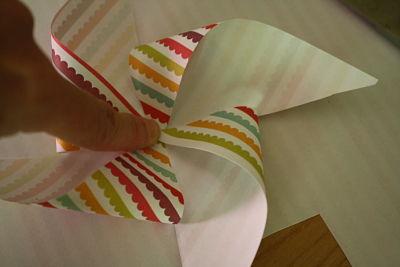 Làm chong chóng giấy cho gió vờn yêu - 4