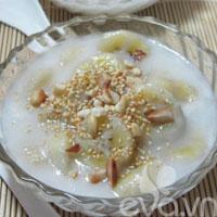 Nóng hổi chè chuối nước cốt dừa