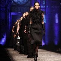 Show Đỗ Mạnh Cường: Thiết kế làm 'lu mờ' người mẫu