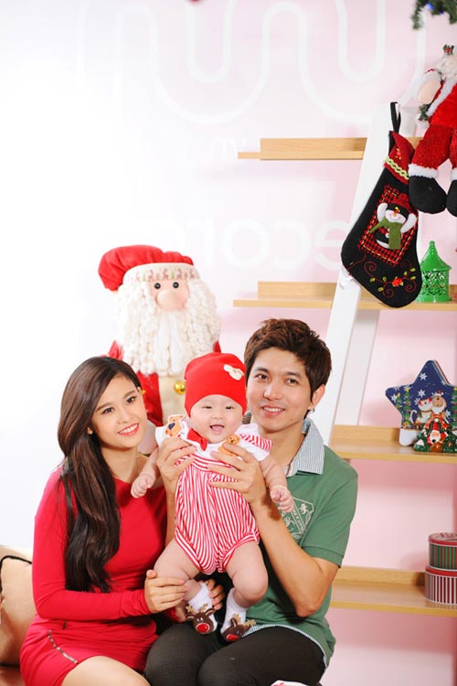 Con trai Trương Quỳnh Anh đón Noel sớm - 1