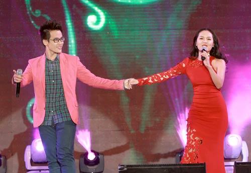 Phương Linh - Hà Anh Tuấn thắm thiết ngày Noel - 5