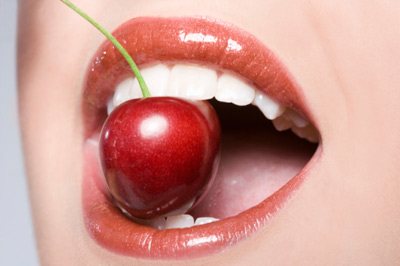 Bí quyết làm hồng đôi môi thâm, sạm - 5