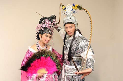 "ha phuong ""lay tron"" nuoc mat khan gia vn tai my - 3"