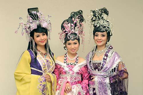 "ha phuong ""lay tron"" nuoc mat khan gia vn tai my - 4"