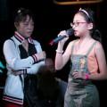 """Làng sao - Cô Út """"chỉ huy"""" Mỹ Chi tập nhạc cùng Quang Lê"""