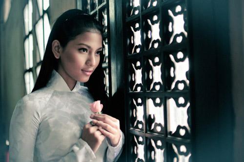 """truong thi may ung bien """"kho doan"""" voi ao dai - 9"""