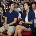 Làng sao - Tăng Thanh Hà cùng chồng đi xem đấm bốc