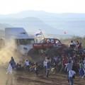 Tin tức - Video: Xe trình diễn mất lái, 8 người chết