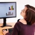 Sức khỏe - Đau đầu khi ngồi trước máy tính