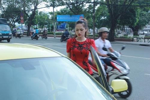 huong giang idol tu lai xe hop di su kien - 4