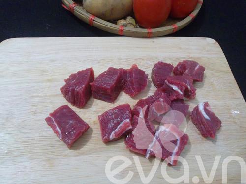 Thịt bò hầm khoai tây nóng hổi - 2