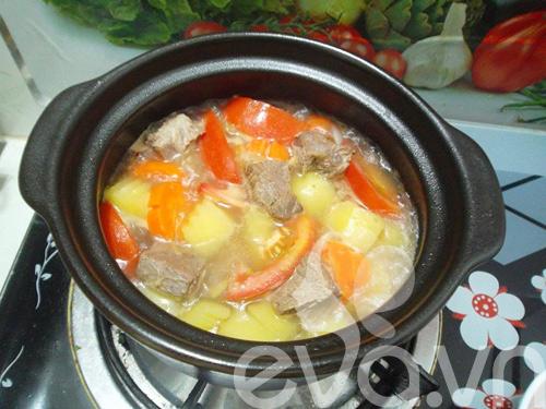 Thịt bò hầm khoai tây nóng hổi - 6