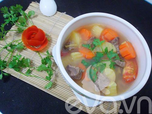 Thịt bò hầm khoai tây nóng hổi - 8