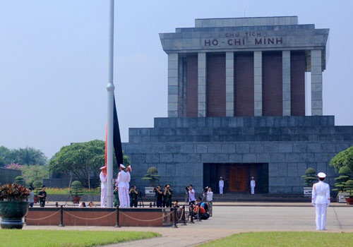 chinh thuc treo co ru de tang dai tuong - 6