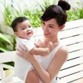 """Làm mẹ - Quỳnh Chi: """"Đã tiến bộ khi chăm con"""""""