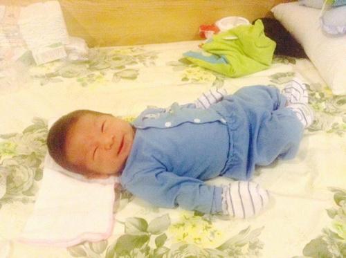 mỹ dzung khoe con trai day thang tuoi - 8